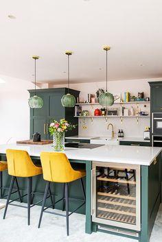 Kitchen Family Rooms, Kitchen Room Design, Living Room Kitchen, Home Decor Kitchen, Interior Design Kitchen, Home Kitchens, Open Plan Kitchen Dining Living, Kitchen Diner Extension, Open Plan Kitchen Diner