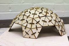 Lasercut Geodesic Dome - Post your project - Machines Room Más Cardboard Furniture, Cardboard Crafts, Dome Structure, Casa Patio, Laser Cutter Projects, Lazer Cut, Dome House, Parametric Design, Geodesic Dome