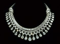 The Hazen Diamond Necklace - Harry Winston - donated to the Smithsonian in 1979