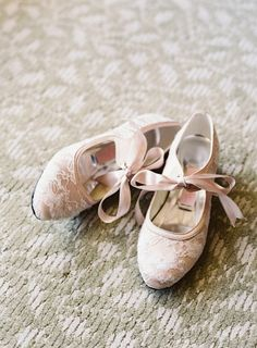 I ADORE some of these! Flats are a must at my wedding. 27 cute flats for brides on their wedding day! Unique Wedding Shoes, Pink Wedding Shoes, Wedding Flats, Bridal Shoes, Unique Weddings, Wedding Accessories, Elegant Wedding, Cute Flats, Cute Shoes