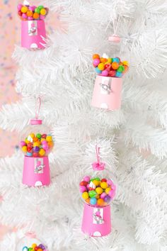 DIY Candyland Christmas Decorations & Ornaments Create your own Candyland Christmas decorations! Make these candy ornaments for your tree, and get inspired for decorating with candy Christmas trees! Candy Land Christmas, Candy Christmas Decorations, Cool Christmas Trees, Christmas Tree Themes, Christmas Tree Ornaments, Christmas Crafts, Christmas Décor, Diy Ornaments, Magical Christmas