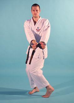 Resultado de imagen de morote shotei osae uke Martial Arts, Coat, Jackets, Fashion, Down Jackets, Moda, Sewing Coat, Fashion Styles, Combat Sport