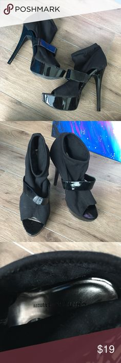 """Chinese Laundry platform peep toe Ankle Boots 7.5 5"""" heels. Super stylish and comfy. From non-smoking, non-pet home.   Add to bundle to save on shipping costs! Don't forget to add any two things in my closet and receive an extra 10% off! no trades.  About me: Please buy with confidence. I work to make sure my clients are happy! I buy similar styles, trends, brands and sizes, please follow me to see new styles added every day. Chinese Laundry Shoes Ankle Boots & Booties"""