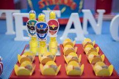 A Adriana Porto preparou uma festa muito divertida para comemorar os quatro anos do Stefano. Vem ver a decoração com tema Power Rangers