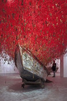 Installation Artist Chiharu Shiota Casts a Tangled Web of Thread and Keys at This Year's Venice Art Biennale  http://www.thisiscolossal.com/2015/05/the-key-in-the-hand/
