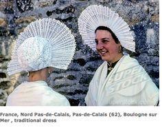 coiffes traditionnelles ( de la région du Nord Pas de Calais )