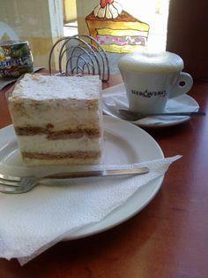 Együtt finomabb menü : Extra házi krémes capuccinoval ! ☕️❤️ cakes capuccino☕️