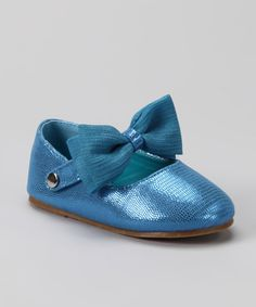 Take a look at this QQ Girl Blue Bow Happy Flat on zulily today! Toddler Girl Shoes, Girls Shoes, Baby Shoes, Fashion Shoes, Kids Fashion, Girl Outfits, Cute Outfits, Blue Bow, The Vamps