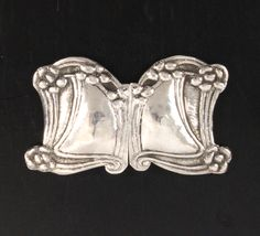 A silver two-piece lady's buckle London 1904 William Connell