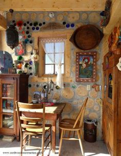 #Architecture# Mermaid Cordwood Cottage in Del Norte, Colorado. Via: cordwoodconstruction.org Short lengths of debarked trees (cordwood) are laid with a mixture of mortar and insulating materials - such as sawdust or spray foam - in between the mortar.