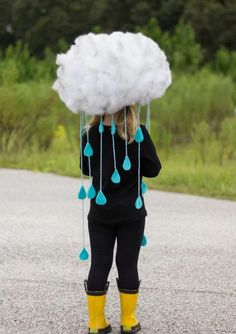 fasching kostüme regenwolke-perücke-watte-regentropfen-gummistiefel