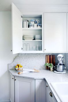 10 Lovable Little Details in the Kitchen  Apartment Therapy