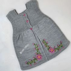 Photo shared by Fatma Uncu on December 2019 tagging and La imagen puede contener: rayas Knit Baby Sweaters, Knitted Baby Clothes, Baby Boy Knitting Patterns, Knitting For Kids, Girls Dresses Sewing, Pull Bebe, Baby Girl Crochet, Lace Knitting, Diy Clothes