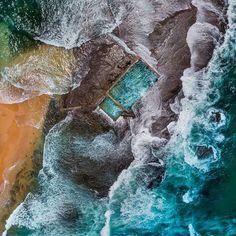 Isolated out on its rock shelf Mona Vale pool awash at high tide. . . #monavalebeach #northernbeacheslocal #ilovesydney #exploreaustralia #amazing_australia #wow_australia #phototag_it #ig_australia