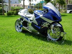 Click this image to show the full-size version. Custom Street Bikes, Custom Motorcycles, Cars And Motorcycles, Hyabusa Motorcycle, Hot Bikes, Super Bikes, Concept Cars, Old And New, Hot Wheels
