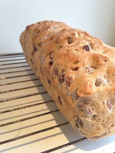 Hasselnøtt brød Oppskrift og fremgangsmåte i bilder hazelnut bread Recipe and tutorial Bread Recipes, Food And Drink, Crafts, Diy, Breads, Loaf Recipes, Bricolage, Crafting, Diy Crafts