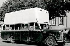 Un autocar Citroën U 23 équipé d'un gazogene