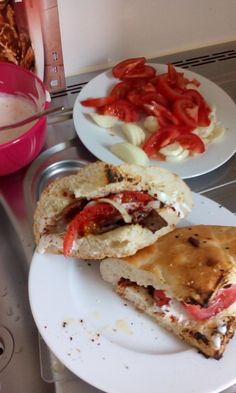 Doener in turkish Style, it' s like Hamburger in the USA, the food to go in Germany. It looks like this.