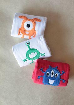 Little Aliens Burp Cloth Set, $32.99