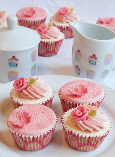 Afternoon Tea! Pretty Pink Butterflies and Roses Cupcakes   Flickr - Photo Sharing!