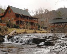Fireside Chalets & Cabin Rentals (Pigeon Forge, Tennessee, Gatlinburg / Pigeon Forge) - ResortsandLodges.com