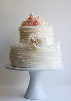 If you ask me what cake design is the cutest one, I'd say – ruffled! Ruffled cakes are the most romantic and beautiful ones for every type of wedding, such a cake not only looks as a masterpiece but also tastes the same! Ruffles can be of any color. Gorgeous Cakes, Pretty Cakes, Amazing Cakes, Kolaci I Torte, Couture Cakes, Gateaux Cake, Ruffle Cake, Fondant Ruffles, Chiffon Cake