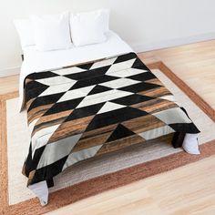 Modern Quilt Patterns, Quilt Patterns Free, Quilt Modern, Geometric Quilt, Triangle Quilts, Southwest Quilts, Man Quilt, Landscape Quilts, Contemporary Quilts