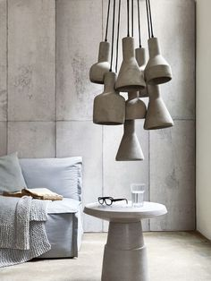 Interieur vol beton! = concrete and clustered pendants Concrete Light, Concrete Lamp, Stained Concrete, Concrete Floor, Beton Design, Concrete Design, Concrete Furniture, Home Furniture, Kare Design