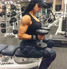 Los #buenosdias #goodmorning la #fitgirl #bootyqueen  @amberjcallahan_  para @fitnesstodayven  La chica imagen oficial es la #fitnessmodel @nelyuri_jr  #fitness #workout #crossfit #crossfitgirl #instafitness #venezolana #booty #squats #bigass #gym #gymlife #fitgirls #instafit #fitnessmom #makeup #fashion #diet #booty #makeup #fashion #hechoenvenezuela #soloenvenezuela  Check out BobbyOWilson.com for fitness and nutrition related articles!