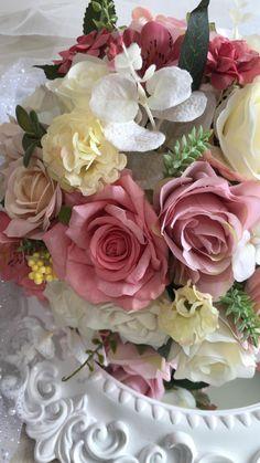 Birthday Wishes Flowers, Happy Birthday Flower, Beautiful Rose Flowers, Amazing Flowers, Wallpaper Nature Flowers, Good Morning Images Flowers, Happy Birthday Cake Images, Bride Bouquets, Flower Pictures