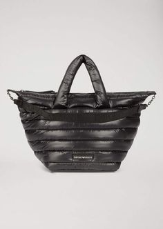 Fine materials and design for this ‎Quilted Padded Bag With Shoulder Strap And Emporio Armani Logo ‎ by ‎Emporio Armani ‎ ‎Women‎. Emporio Armani, Armani Logo, Contemporary Design, Casual Looks, Shopping Bag, Shoulder Strap, Padded Bag, Armani Women, Tote Bag
