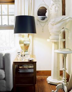 Black and gold lamp, sculpture