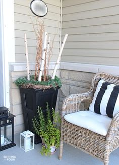 Get the look of this elegant, stylish front porch! 10 Front Porch decorating ideas and curb appeal tips!