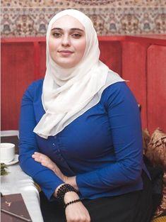 Beautiful Arab Women, Beautiful Hijab, Beautiful Outfits, Muslim Women Fashion, Curvy Women Fashion, Girl Fashion, Arab Girls Hijab, Muslim Girls, Hijabi Girl