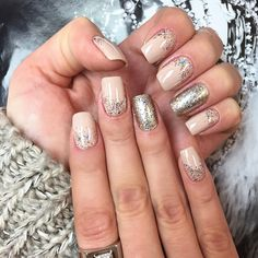 New Year's Nails by manicurist Lucinha Barteli