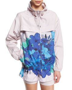 adidas by Stella McCartney Run Blossom Jacket, Shorts, - Studio Clima Tank Sports Day Outfit, Sport Outfits, Kids Sportswear, Cute Workout Outfits, Stella Mccartney Adidas, Sport Wear, Sport Fashion, Adidas Women, Active Wear