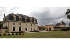 Château Guiraud Bordeaux, Mansions, House Styles, Home Decor, Stone Driveway, Environment, Decoration Home, Manor Houses, Room Decor