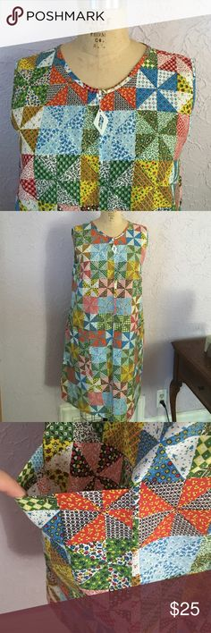 Vintage A-Line Shift Dress Excellent condition vintage dress with zip front closure. Appears to be handmade, dress form is size 10 so dress looks like it could fit up to a size 12. Reasonable offers accepted. Dresses Mini