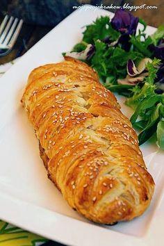 moje pasje: Mumia czyli kurczak z boczkiem i pieczarkami w cieście francuskim