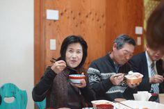 佐藤さんのお料理「おいしい!」と齋藤さん。
