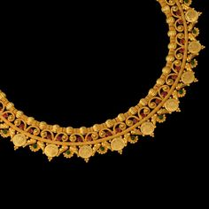 sheer delightful nature of this gold necklace will surely leave anyone spellbound Gold Jewelry Simple, India Jewelry, Jewellery, Jewelry Patterns, Necklace Designs, Wedding Jewelry, Jewelry Design, Gold Necklace, Bvlgari