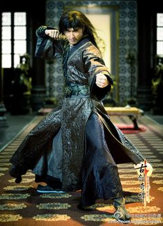 Legend of the Ancient Sword (Gu Jian Qi Tan) - 古剑奇谭 / Chinese Drama / Episodes: 50 Best Dramas, Korean Dramas, Show Luo, Chinese Tv Shows, Hong Kong Movie, Fantasy Costumes, Character Costumes, Hanfu, Traditional Outfits