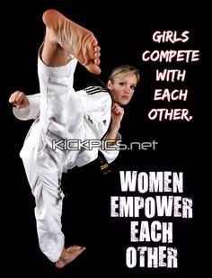 Tracy Chase Martial Arts Styles, Martial Arts Women, Mixed Martial Arts, Tactical Armor, Karate Girl, Taekwondo, Muay Thai, Kung Fu, Fashion Art