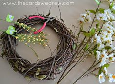How to make a #wreath. Perfect tutorial #diy