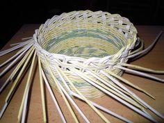 Tažená uzavírka :: Moje pletení z papíru Hanča Čápule