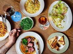 The Hottest Restaurants in Manhattan Right Now, March 2020 Fun Restaurants In Nyc, Manhattan Restaurants, Cheap Meat, Italian Chef, Skirt Steak, Beef Dishes, Places To Eat, Food Hacks, Lunch