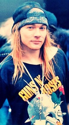 "DIA 16. Axel Rose ""And I don't have hopes and dreams. I don't have anything Since I don't have you"" (Since I don´t have you)"