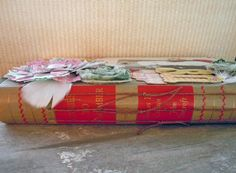 i love making these! Old Books, Smash Book, Outlets, Junk Journal, Mini Albums, Hobbies, Artsy, Inspiration, Gift Wrapping