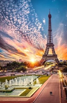 3 Days in Paris: Our Ultimate Guide - With landmarks spanning every architectural and artistic movement from the Middle Ages to now; Eiffel Tower Photography, Paris Photography, Nature Photography, Travel Photography, Beautiful Paris, Paris Love, Paris Wallpaper, Paris Pictures, Paris City