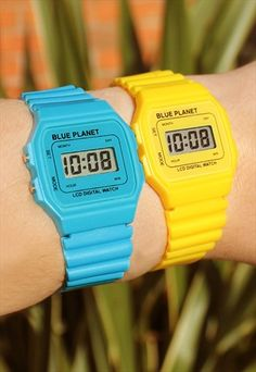 Wear+&+Share+Set+of+2+Retro+LCD+Watches
